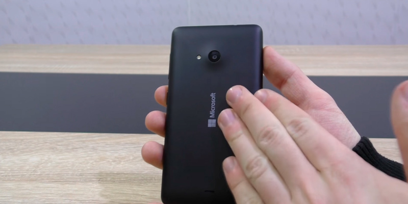 Microsoft Lumia 435 SIM-Free Smartphone in the use