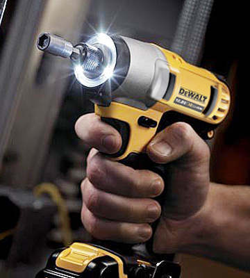 Review of DEWALT DCF610D2 Compact Screwdriver