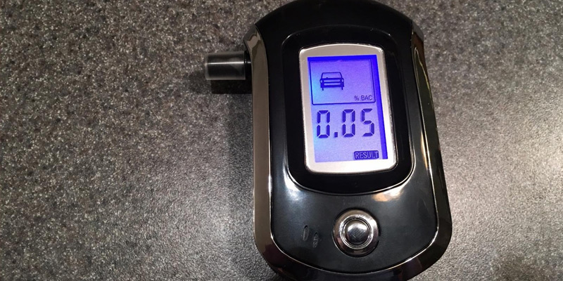 Review of VicTsing AT0615 Digital Breath Analyzer with Semi-conductor Sensor