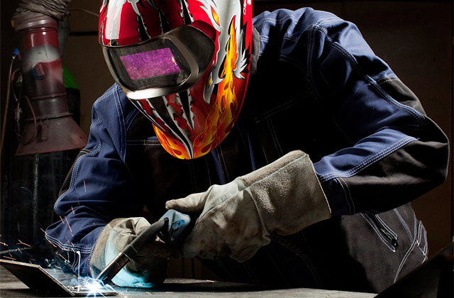 Best Welding Helmets for Domestic and Professional Use