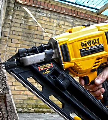 Review of DEWALT DEW-DCN692N Cordless Brushless Framing Nailer