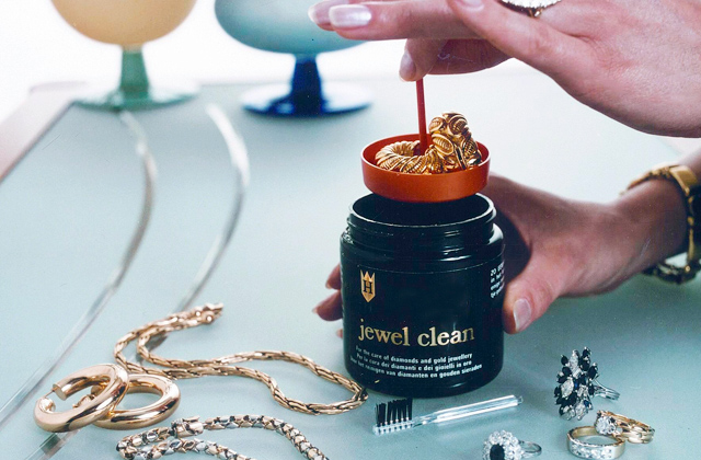 Comparison of Liquid Jewelry Cleaners