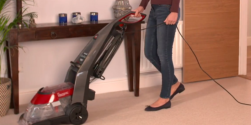 Bissell StainPro 10 Carpet Washer in the use