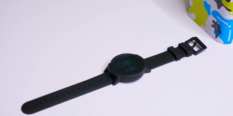 Ticwatch M6100000TxB9 Smart Watch in the use
