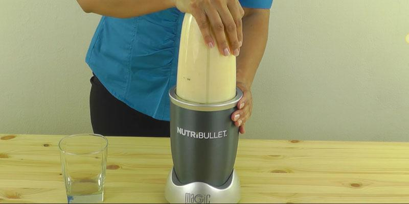 Nutribullet NBR-0801B Countertop Blender in the use