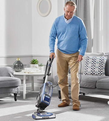 Review of Shark NV680UK Powered Lift-Away Vacuum Cleaner