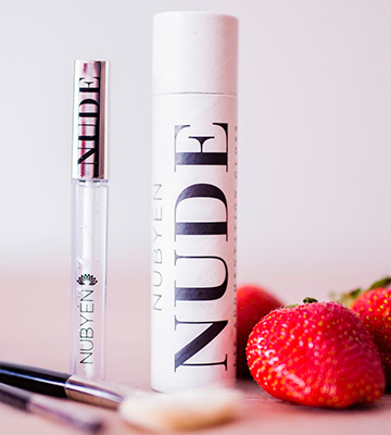 Review of NUBYEN MINDFUL BEAUTY Lip Gloss Powerful Volumizing Augmentation Plumping Serum
