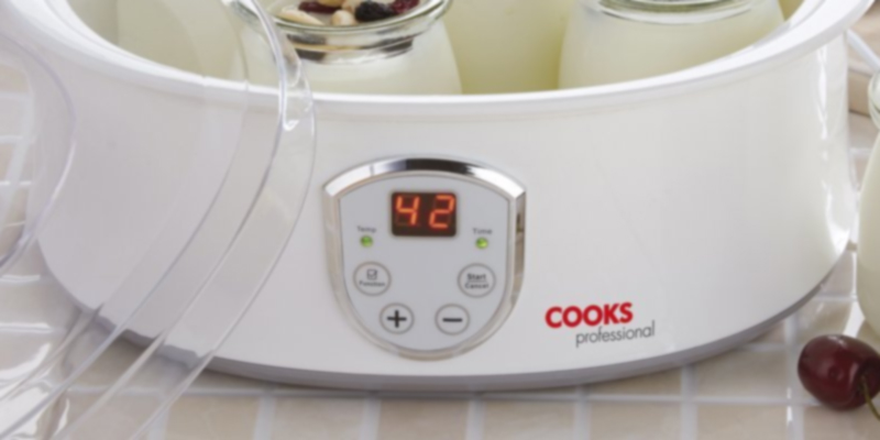 Review of Cooks Professional Compact Yoghurt Maker with LCD Display Screen