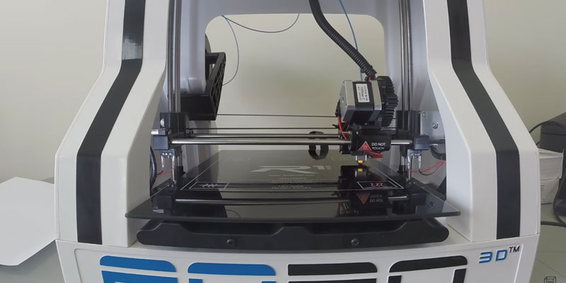 Review of ROBO 3D R1 Plus Fully Assembled Plug & Print 3D Printer