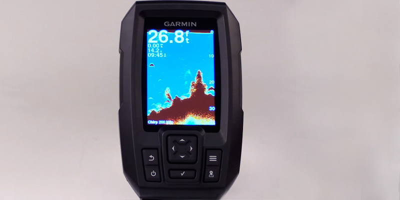 Garmin Striker 4 (010-01550-00) Kayak Fishfinder in the use