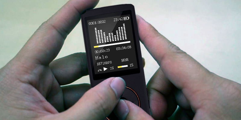 HccToo 685-black Portable Lossless Sound MP3 Player 45 Hours Playback in the use