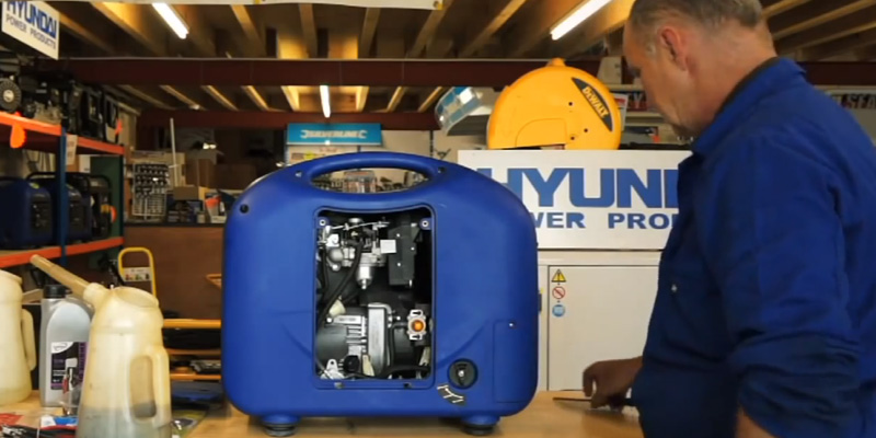 Hyundai HY3000SEi 2.8 kW Electric and Remote Start Petrol Inverter Generator in the use