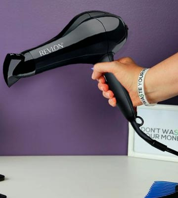 Review of Revlon Pro Collection Salon Performance Turbo Ionic Super Lightweight Hair Dryer