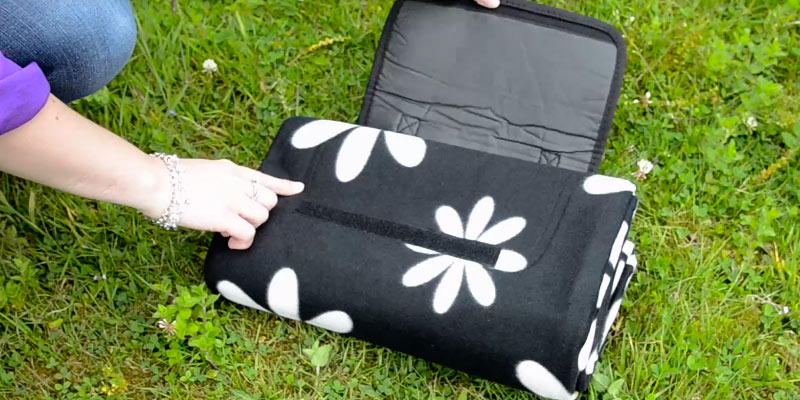 Review of Azuma Festival Rug Mat Picnic Blanket Waterproof