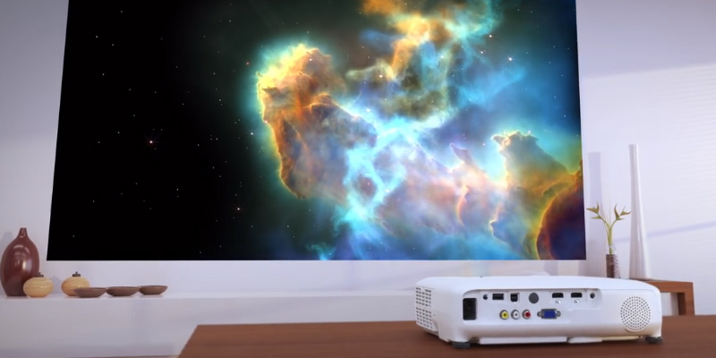 Epson EB-U04 Full HD 1080p Projector in the use