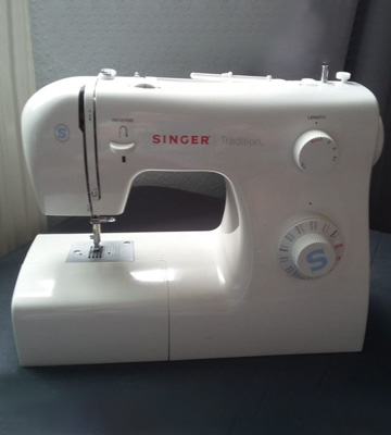 Review of SINGER Tradition 2259 Sewing Machine