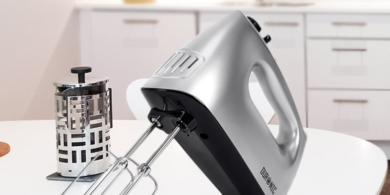 Duronic HM4 Electric Hand Mixer Set in the use
