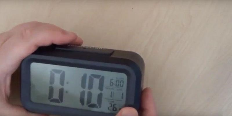 Detailed review of HITO Smart, Simple and Silent LCD Alarm Clock