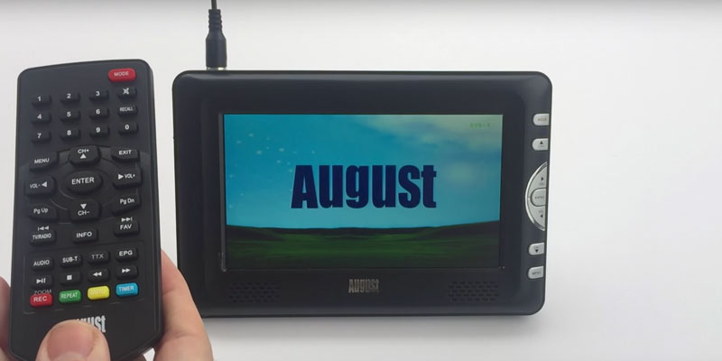 August DTV905 Portable Freeview TV in the use