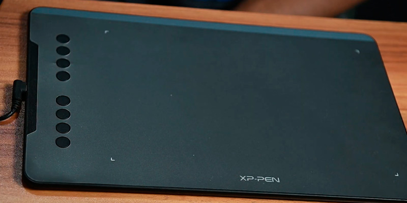 XP-PEN Deco01 V2 Graphics Drawing Tablets in the use
