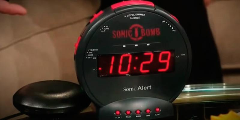 Review of Sonic Alert SBB500SS Alarm Clock with Bed Shaker