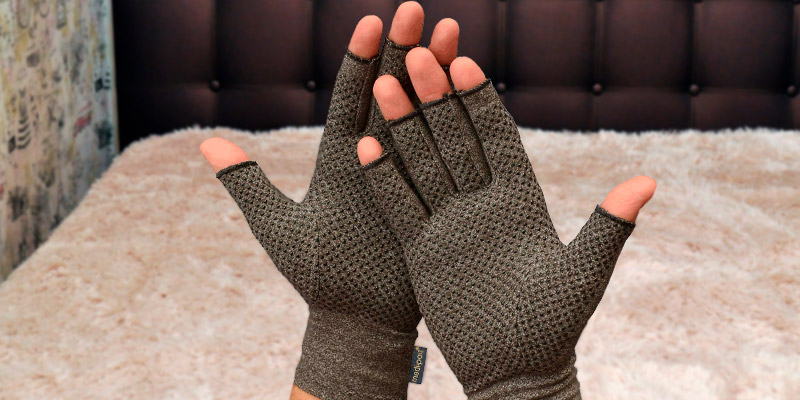 Review of Medipaq fingerless Anti-Arthritis Gloves with Grip