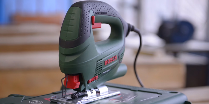 Review of Bosch PST 700 E Compact Jigsaw