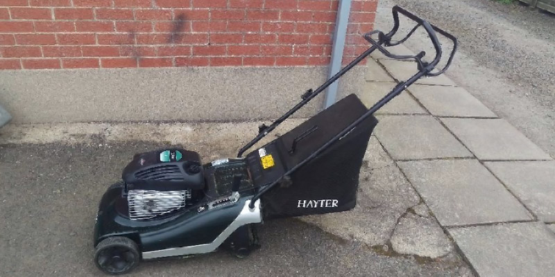 Hayter Hayter 617 Spirit 41 Petrol Mower in the use