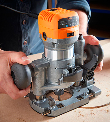 Review of VonHaus 15/302 Compact Deluxe Palm Router Saw