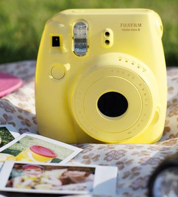 Review of Fujifilm Instax Mini 8 Camera with 10 Shots