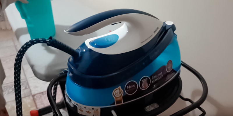 Review of Philips GC7805 PerfectCare Compact Steam Generator Iron
