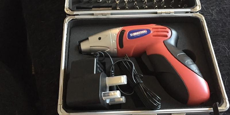 Review of Duratool D01673 Cordless Screwdriver with Accessories