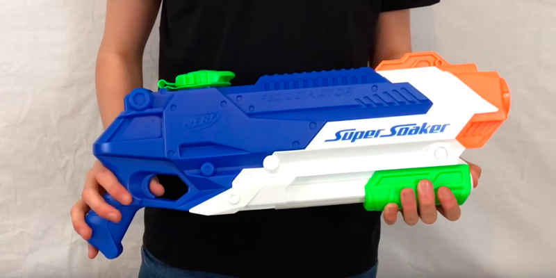 Review of Nerf Floodinator Super Soaker Water Blaster