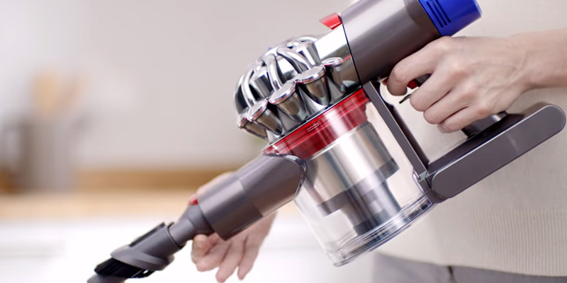 Review of Dyson V8 Absolute