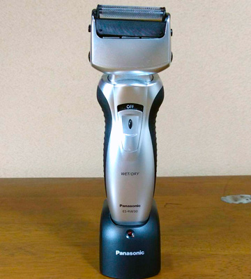 Review of Panasonic ES-RW30 3-Blade Electric Shaver Wer/Dry
