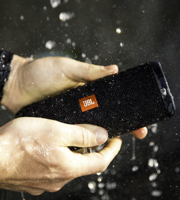 Review of JBL Flip 4 Waterproof Portable Bluetooth Speaker