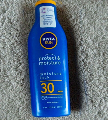 Review of Nivea Protect & Moisture SUN Suncream Lotion SPF 30