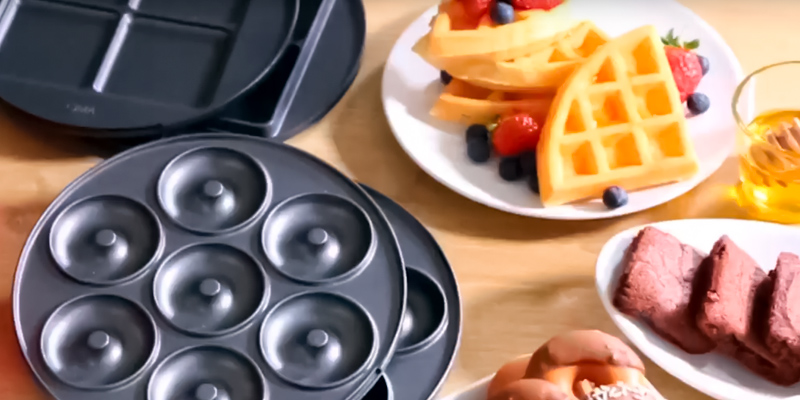 VonShef 3-in-1 Waffle Maker, Brownie & Doughnut Maker in the use