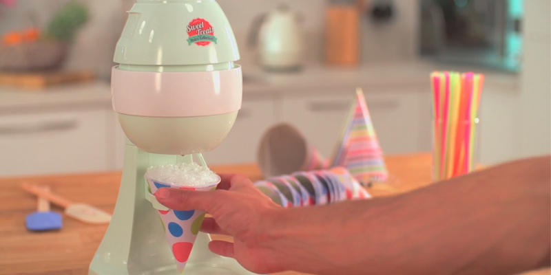 Review of Sweet Treats Snow Cone Maker