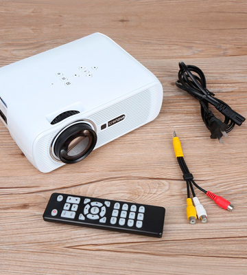 Review of Crenova XPE460 Video Projector