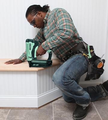 Review of Hitachi NT65GS Cordless Gas Finish Nailer