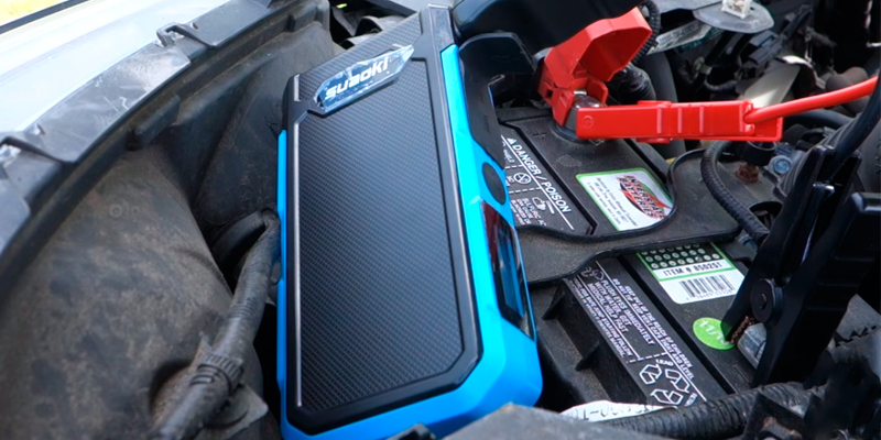 Suaoki U10 Car Jump Starter (800 Amp, 20000 mAh) in the use