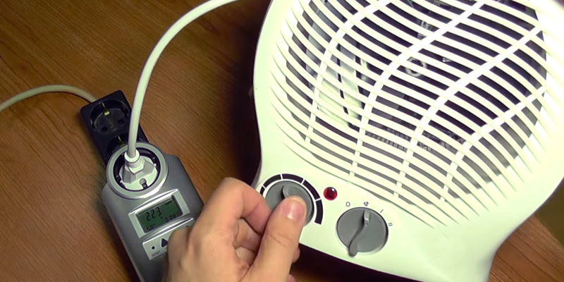 Status FH1P-2000W1PKB Portable Fan Heater in the use