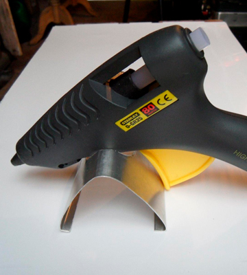 Review of Stanley Heavy-Duty Glue Gun with Glue Sticks