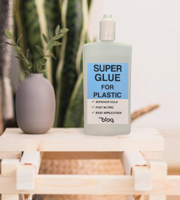 Review of The Bloq Super Glue for Plastic