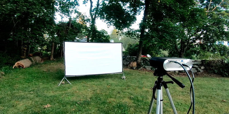 Review of Vamvo VA-01 Outdoor/Indoor Projector Screen with Stand
