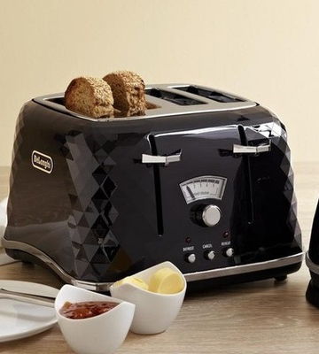 Review of De'Longhi CTJ4003.BK Brillante Faceted 4 Slice Toaster
