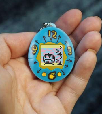 Review of Tamagotchi 41805 20th Anniversary Device