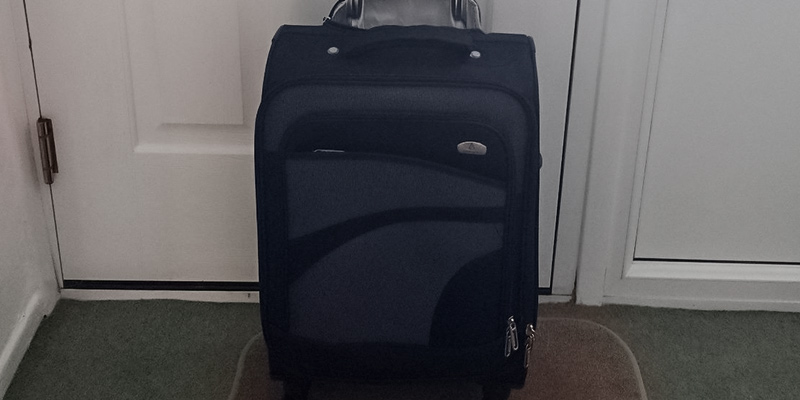 Review of Aerolite Carry On Set