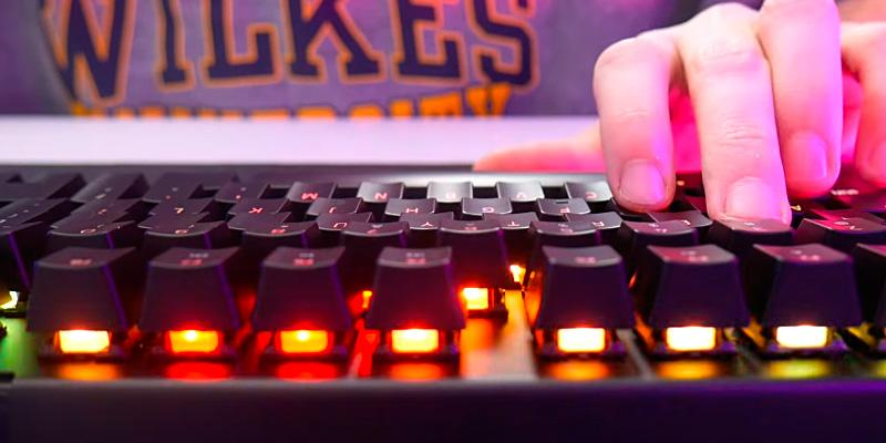 Review of Razer RZ03-01760400-R3W1 Clicky Mechanical Gaming Keyboard